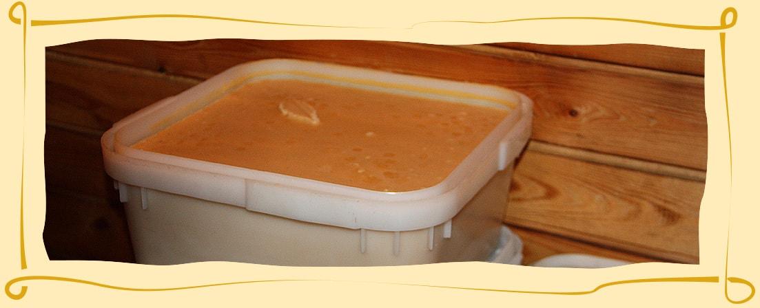 Мёд с живицей (кедровой смолой)